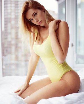 Мария, 28