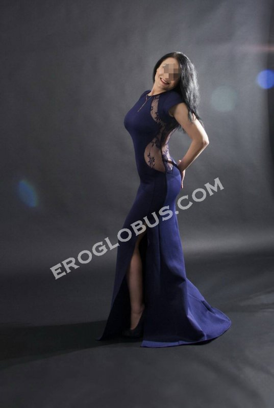 Эмилия, 36